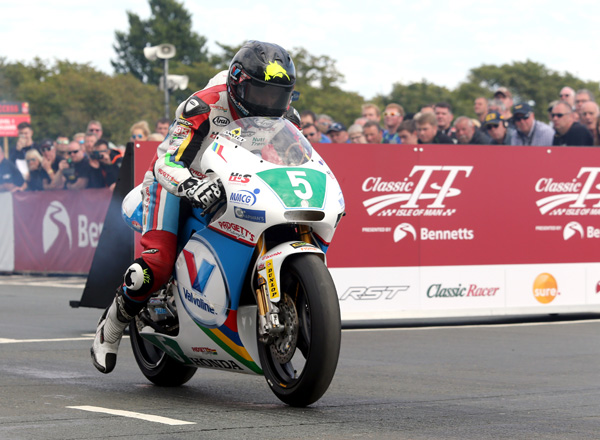 Bruce Anstey starts the Sure Lightweight Race on the Valvoline Racing by Padgetts Motorcycles Honda RS 250