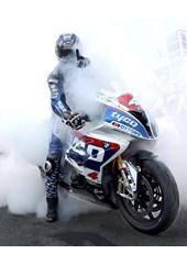 Ian Hutchinson celebrates victory Superstock TT 2016