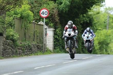 Michael Dunlop, Ian Hutchinson, TT 2016