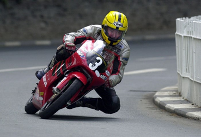 Joey on his way to final TT Victory - click to enlarge