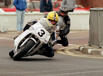 Joey Dunlop leads brother Robert NW 200 1991 - click to enlarge