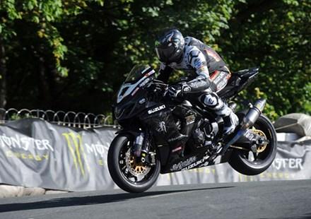 Bruce Anstey Ballaugh Bridge TT 2010 3rd Practice - click to enlarge