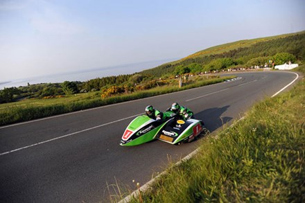 Dave Molyneux Gooseneck TT 2010 5th Practice - click to enlarge