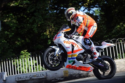John McGuinness Superstock Ballaugh Bridge TT 2010