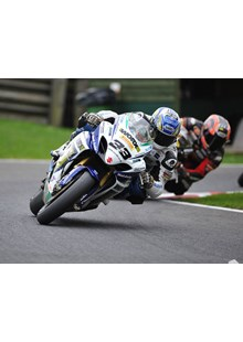 Hill and Kiyonari at Cadwell Park BSB 2010