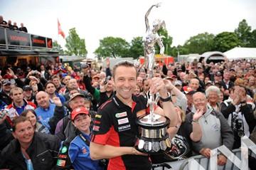 Steve Plater TT 2009 Senior Race Winner - click to enlarge