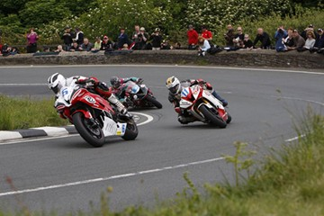 Dunlop Brothers & Cummins Gooseneck TT 2009 Supersport Race - click to enlarge