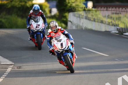 John McGuinness/Keith Amor TT 2011 Ballaugh - click to enlarge