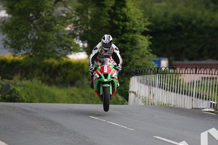 Michael Dunlop TT 2011 Ballaugh - click to enlarge