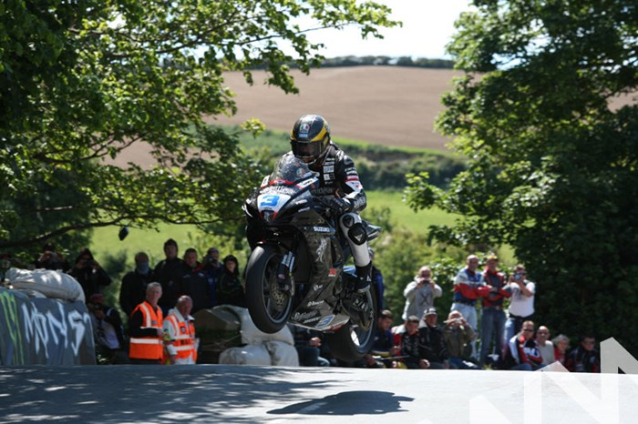 Guy Martin TT 2011 Supersport 1 Race Ballaugh Bridge - click to enlarge