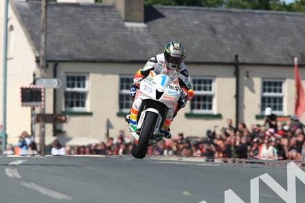 John McGuinness TT 2011 Supersport 1 Race Ballaugh