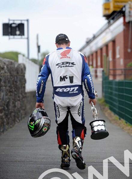 John McGuinness TT 2011 Superbike Race Returns