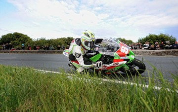 Michael Dunlop TT 2011 Superstock Gooseneck - click to enlarge
