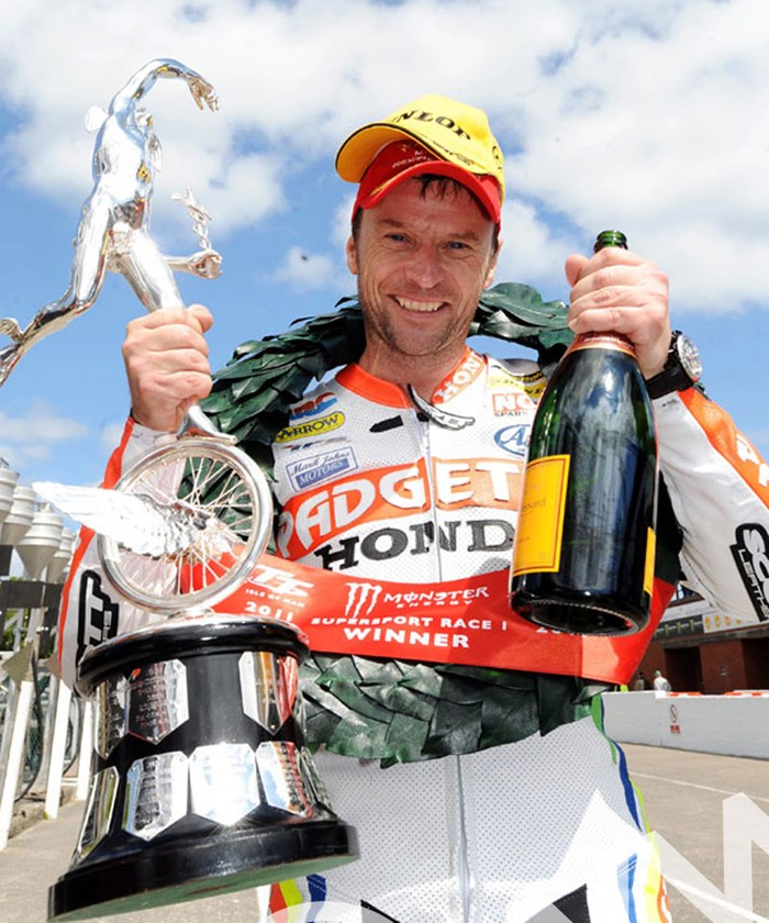 Bruce Anstey TT 2011 Supersport 1 Podium - click to enlarge