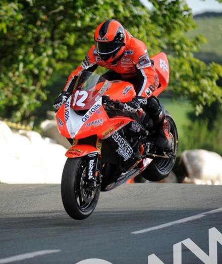 Ryan Farquhar Ballaugh Superstock Practice TT 2009  - click to enlarge