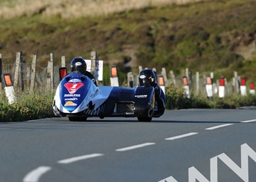 John Holden and Andy Winkle TT 2011 Mountain - click to enlarge