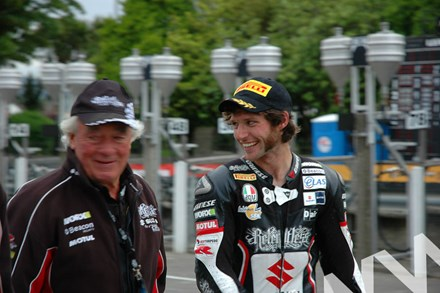 Guy Martin Hector Neill TT 2011 - click to enlarge