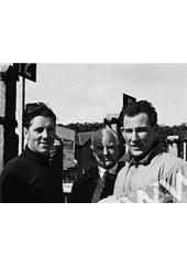 Geoff Duke Stirling Moss pit talk Isle of Man 1952