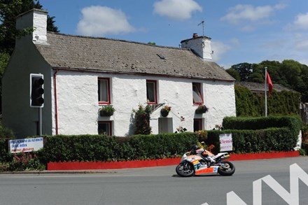 Bruce Anstey TT 2011 Padgetts Honda Supersport at Ballacraine - click to enlarge