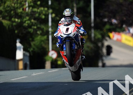 John McGuinness TT 2011 Ago's Leap Senior race - click to enlarge