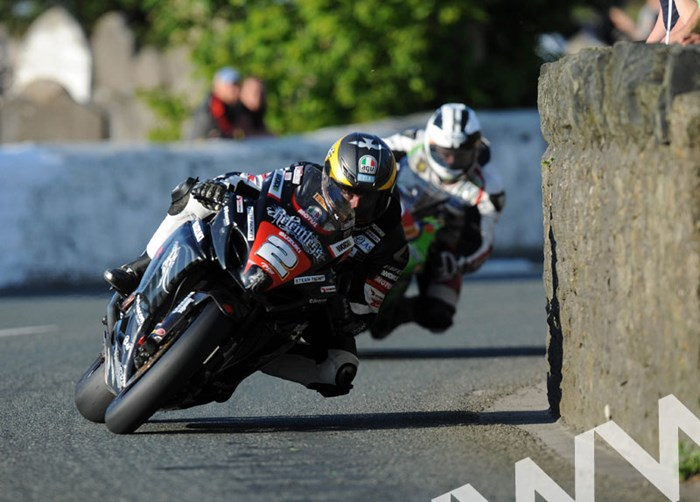 Guy Martin leads M. Dunlop Church Bends Southern 100 2011 - click to enlarge