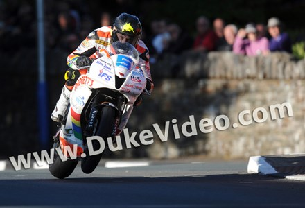 Bruce Anstey TT 2012 St Ninian's - click to enlarge