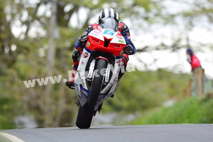 Michael Dunlop's Barregarrow Wheelie, TT 2013 - click to enlarge