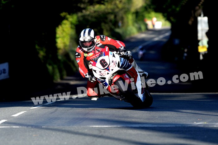 Michael Dunlop approaching Ballacraine TT 2013 - click to enlarge