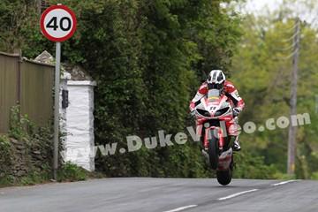 William Dunlop TT 2013 Superbike - click to enlarge