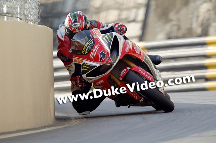 Ian Hutchinson  Macau Grand Prix Winner, 2013 - click to enlarge
