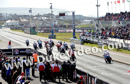 Superbike Start North West 2015 - click to enlarge
