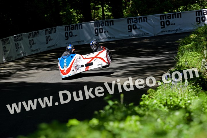 Conrad Harrison and Mike Aylott Sidecar TT 2015 Print - click to enlarge