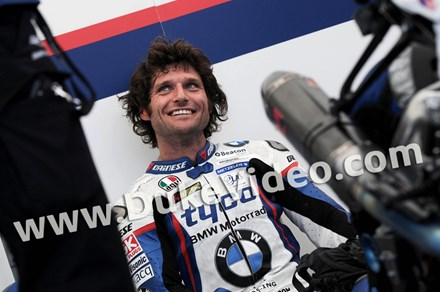 Guy Martin TT 2015 Looks Up - click to enlarge